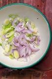 Oignon et poireaux coupés Photo libre de droits