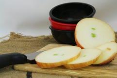 Oignons coupés en tranches Photo stock