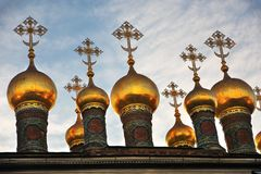 Oignons d'églises de Terem Points de repère de Moscou Kremlin Photo couleur image libre de droits