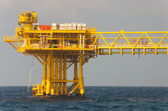 Oil and gas platform in the gulf Royalty Free Stock Photography