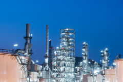 Oil Industry Refinery factory at Sunset, Petroleum Stock Photography