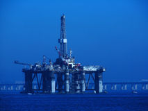Free Oil Platform Royalty Free Stock Image - 5787756