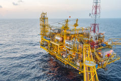 Oil production platform Royalty Free Stock Images