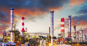 Oil refinery at dramatic twilight Royalty Free Stock Images