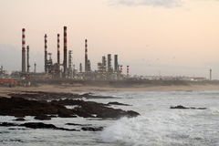 Oil refinery at dusk Royalty Free Stock Images