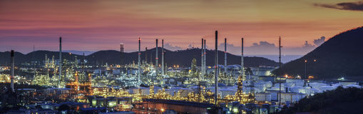 Oil refinery industry plant. At twilight morning Royalty Free Stock Image
