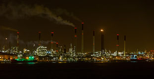 Oil refinery plant at night Royalty Free Stock Photography