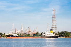 Oil refinery plant with tanker Stock Photography