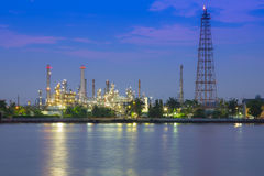 Oil refinery plant at twilight Stock Photography