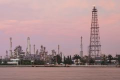 Oil refinery plant at Twilight Royalty Free Stock Photos