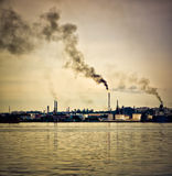 Oil refinery polluting the atmosphere Stock Photo