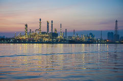 Oil refinery at twilight Royalty Free Stock Photography