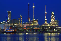 Oil refinery at twilight Royalty Free Stock Images