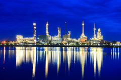 Oil refinery at twilight  at morning Royalty Free Stock Photography