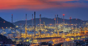 Oil refinery. At twilight sky Royalty Free Stock Photo