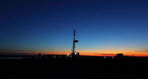 Oil Rig. In the sunset Royalty Free Stock Photos