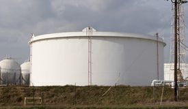 Oil Tank. At refinery Royalty Free Stock Photography