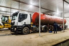 Free Oil Tanker Truck On Maintenance After The Voyage Stock Images - 188842174