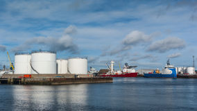 Oil tanks and platform supply ships Royalty Free Stock Photos