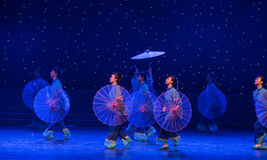 Oiled paper umbrella-Chinese folk dance. May 15, 2016, from Jiangxi province around the dancers gathered to exchange skills. At the Nanchang Repertory Theater Stock Photo