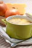 Oinion汤用在上面的熔化干酪和面包 库存图片