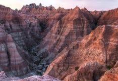 Ointressanta maxima av badlandsna i South Dakota fotografering för bildbyråer