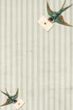 Oiseau bleu de cru rayé de fond avec la lettre Photographie stock libre de droits