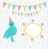Oiseau bleu mignon sur un fond de guirlande et de cadre de fête Photo libre de droits