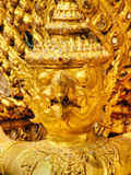 Oiseau de Garuda en or, décoration de palais Bangkok, Thaïlande de rois Images libres de droits