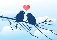 Oiseaux d'amour sur le branchement Images stock