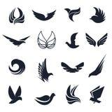 Oiseaux noirs et blancs abstraits d'isolement, ailes de papillons avec l'ensemble de logo de plumes Collection de logotype de vol illustration de vecteur