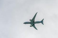 OISTINS,巴巴多斯- 2014年3月16日:喷气机着陆在布里奇敦国际机场巴巴多斯 免版税库存图片