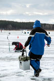 Oitavo campeonato da pesca do gelo do mundo na região de Kharkiv, Ucrânia os 5-6 de fevereiro de 2011 Fotografia de Stock Royalty Free
