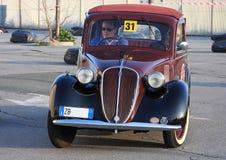 Oitavo circuito dos carros históricos do porto imagem de stock