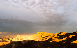 Ojämn Death Valley Zabriske för BadlandsAmargosa bergskedja punkt Royaltyfria Bilder