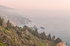 Ojämn Kalifornien stor Sur kust Royaltyfri Foto