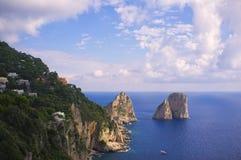 Ojämn kustlinjesikt, Capri Italien Royaltyfria Bilder
