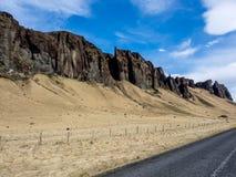 Ojämn Moutain huvudväg Island Royaltyfri Bild