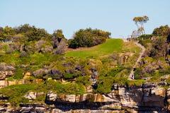 Ojämna kuster av den Bondi stranden i Sydney Arkivfoton