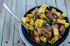 Ojahuri potatis med griskött Royaltyfri Fotografi
