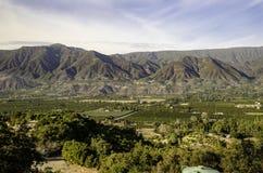 Ojai从山的谷视图 免版税库存照片