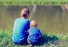 Ojca i syna połów Zdjęcia Royalty Free