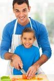 Ojciec córki kucharstwo Fotografia Stock