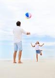 Rodziny plażowa zabawa Obrazy Stock