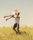 Ojciec i córka plenerowi Zdjęcia Royalty Free