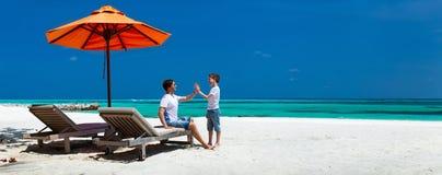 Ojciec i syn na wakacje Zdjęcie Royalty Free