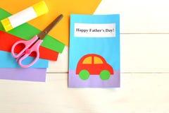 ojciec jest szczęśliwy dzień kolorowe rzemioseł samochodowego zielonego światła domu dzieci makro papierowe zrobić ołówki czerwon Fotografia Stock