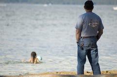 ojciec patrzy morski dziecko Obraz Stock