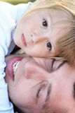 Ojciec z jego córką Zdjęcia Royalty Free
