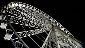 Ojo de Budapest - noria famosa en la noche almacen de video